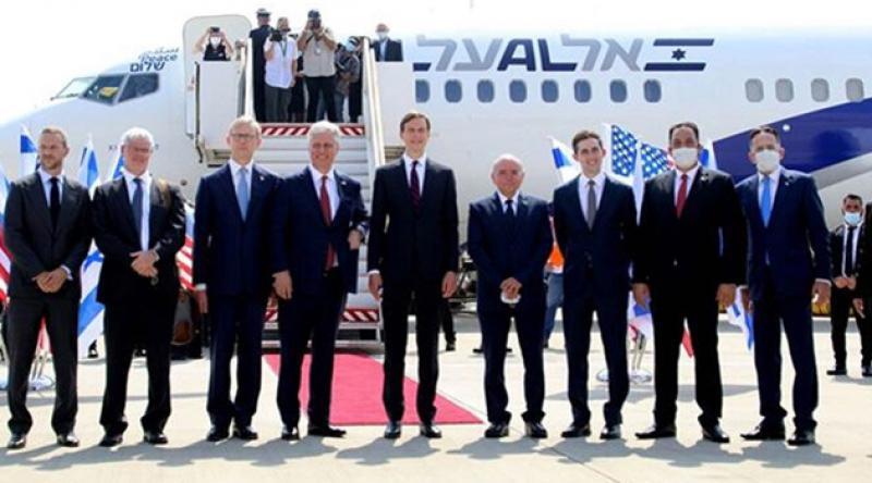 İsrail-BAE arasında ilk ticari uçuş gerçekleşti