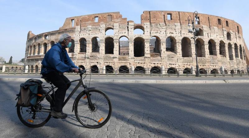 İtalya'da koronavirüsten ölenlerin sayısı 22 bin 745'e yükseldi