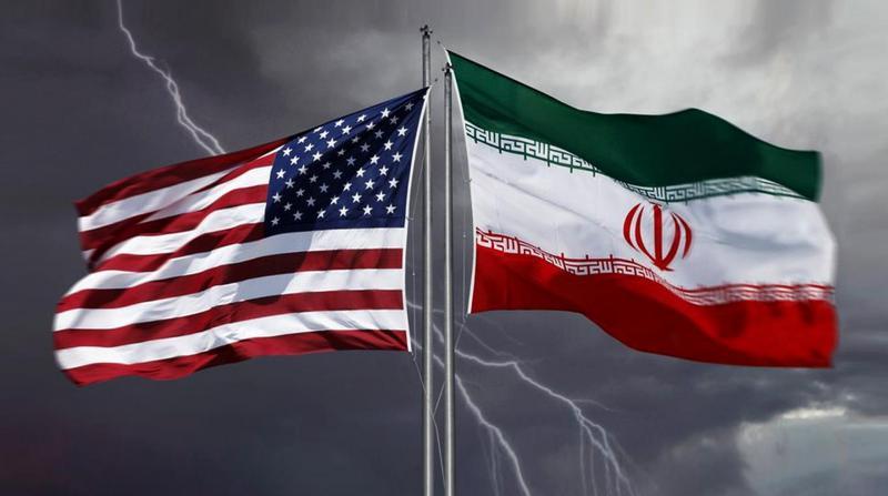 """Ruhani: """"ABD ile ekonomik bir savaşın içindeyiz"""""""