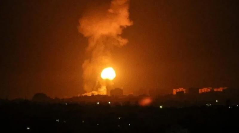 İsrail Gazze'ye yönelik hava saldırılarını sürdürüyor