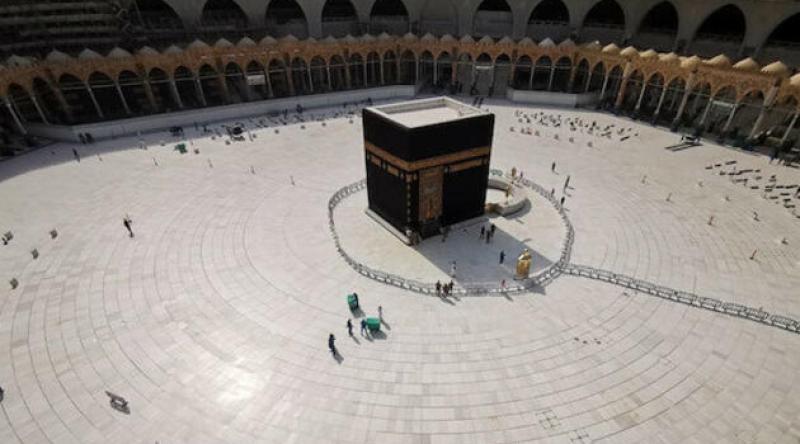 Suudi Arabistan 'umre ziyaretlerini' yeniden başlatabilir