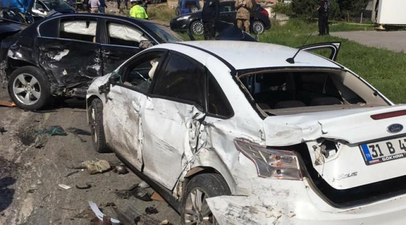 Hatay'da freni boşalan tır çok sayıda araca çarparak durabildi: 5 ölü 15 yaralı