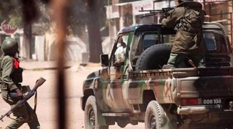 Mali'de bir köye düzenlenen silahlı saldırıda 26 kişi öldü