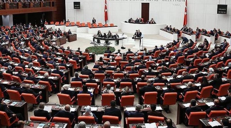 AK Parti, çoklu baro teklifini Meclis'e sundu