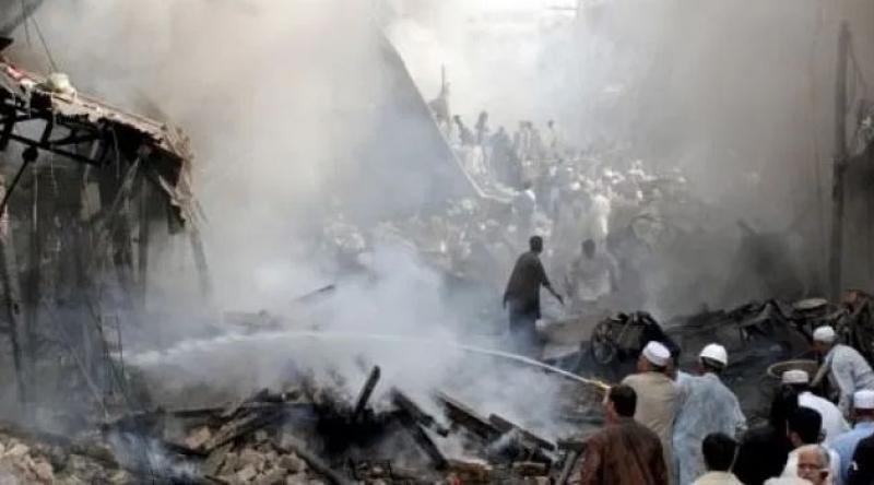 Pakistan'da bombalı saldırı: 7 yaralı