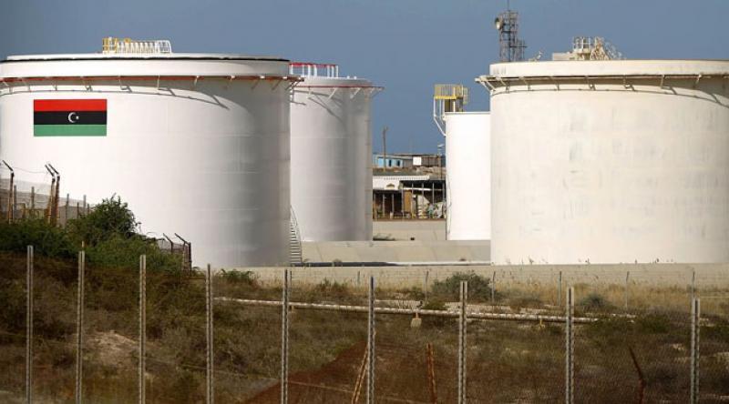 Hafter, Libya'da petrol üretimine uyguladığı blokajı kaldırdı