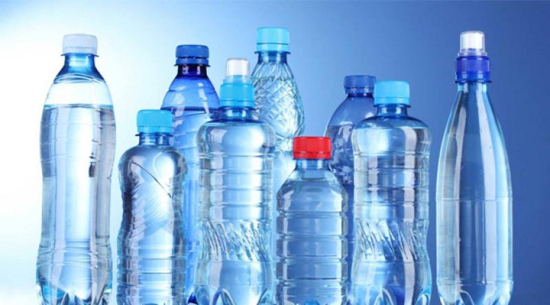 Pet şişede bekleyen suya dikkat