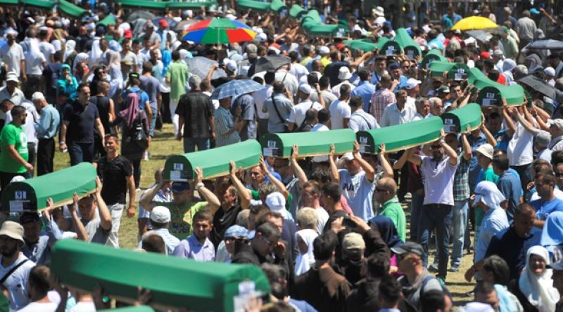 Srebrenitsa 9 şehidini daha bugün toprağa veriyor