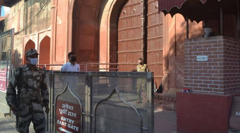 Hindistan'da 'tecrit' 2 hafta daha uzatıldı