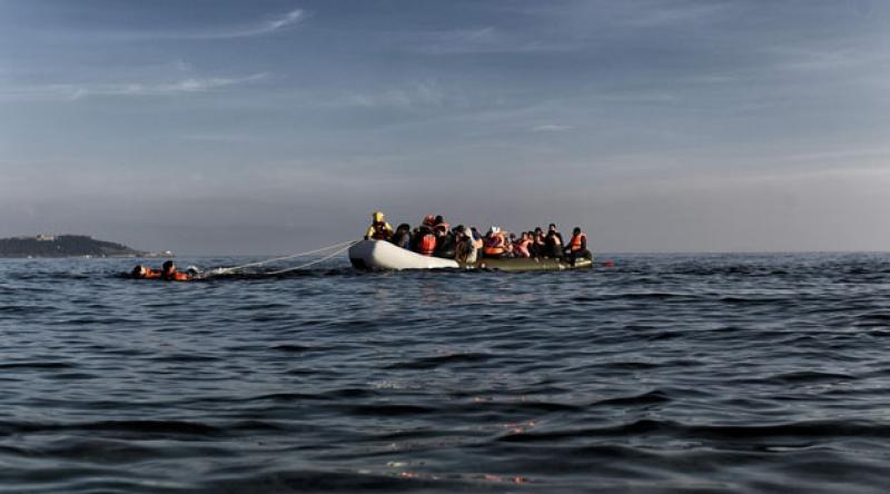 80 sığınmacıyı taşıyan bot battı