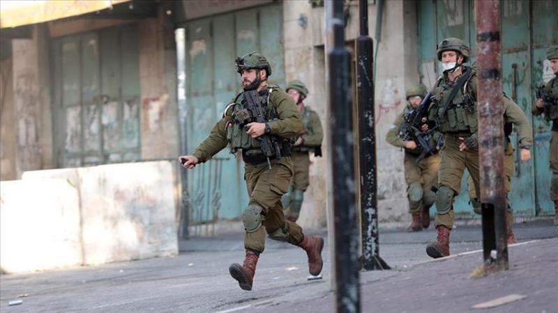 İşgal askerleri Batı Şeria'da 4 Filistinliyi yaraladı