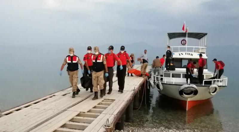 Van Gölü'nde bir kişinin daha cansız bedenine ulaşıldı: Bulunan ceset sayısı 60'a yükseldi