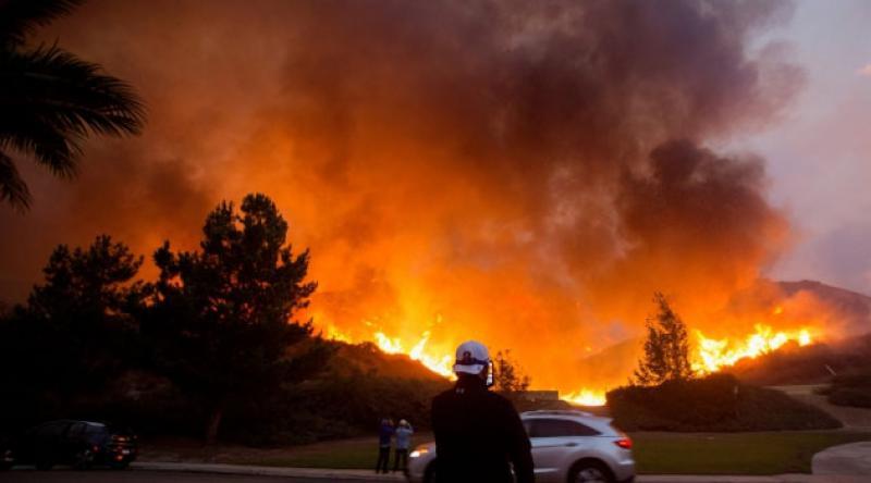 California yanıyor: 100 binden fazla kişi tahliye edilecek