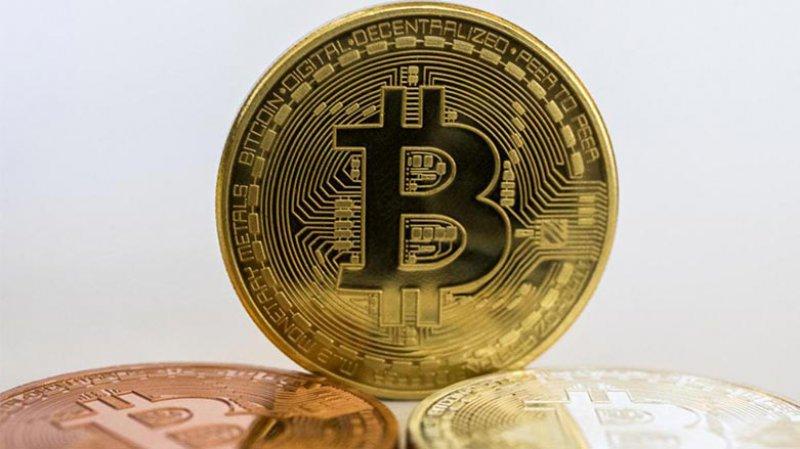 Bitcoin bir aydan sonra ilk kez 30 bin doların altında