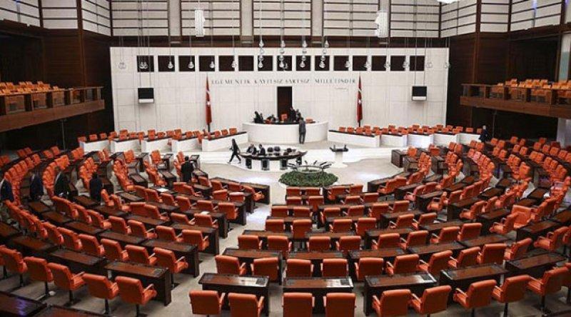 Erdoğan'ın, anayasa çalışmasını halka götürerek, 'güvenoyu almayı hedeflediği' belirtiliyor
