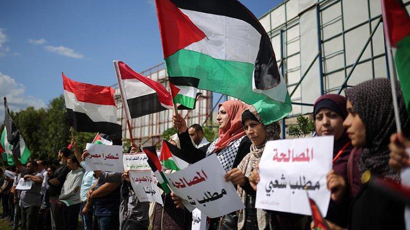 Gazze'de Filistinli tutuklulara destek