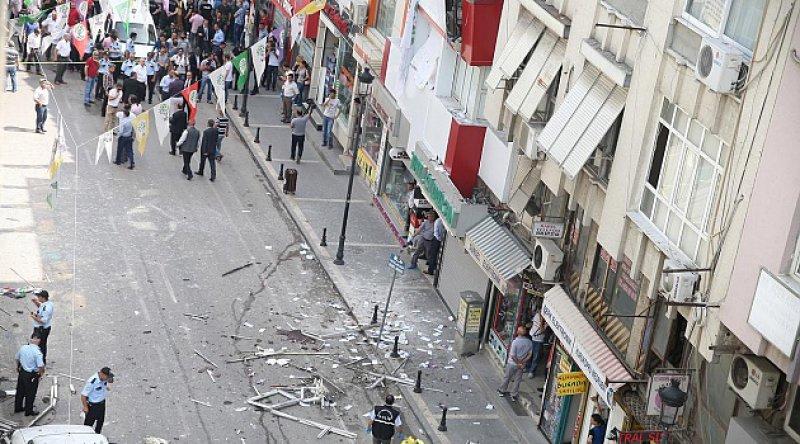 HDP binasına silahlı saldırı: Parti çalışanı Deniz Poyraz hayatını kaybetti