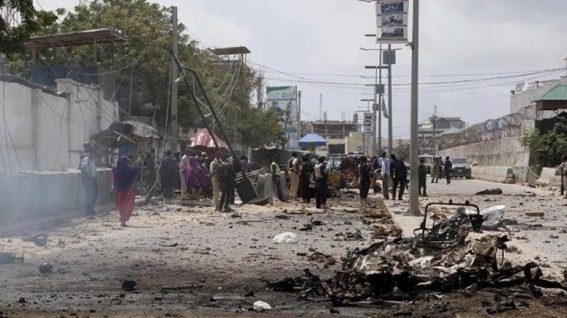 Somali'de polis konvoyuna bomba yüklü araçla saldırdılar