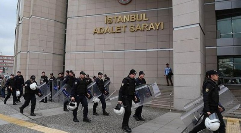 Kobani davası başladı! Polis gazetecilerin görüntü almasını engelledi