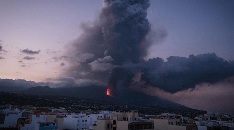 Cumbre Vieja Yanardağı'ndaki patlamaların bilançosu ağır oldu