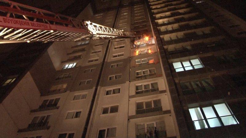 İstanbul'da korkutan patlama: 5 yaralı