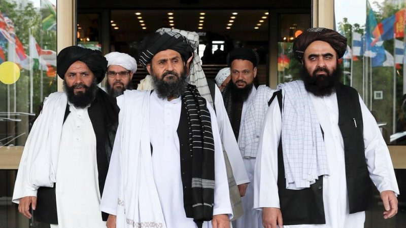 Çin Dışişleri Bakanı ile görüşen Taliban'ın siyasi sorumlusu, 'Afganistan ayrılıkçı üssü olmayacak güvencesi verdi'