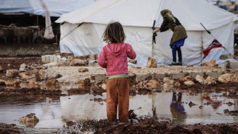 İdlib'de kış şartlarında yaşam mücadelesi