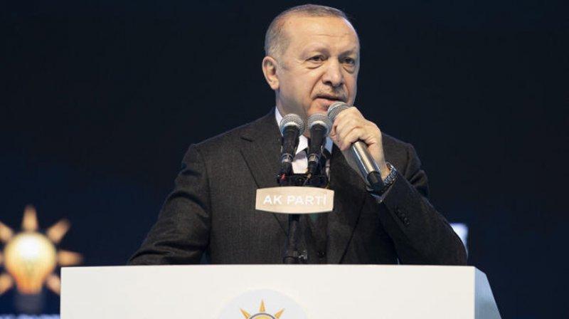 AKP'nin yeni genel başkan vekilleri, Binali Yıldırım ve Numan Kurtulmuş oldu.