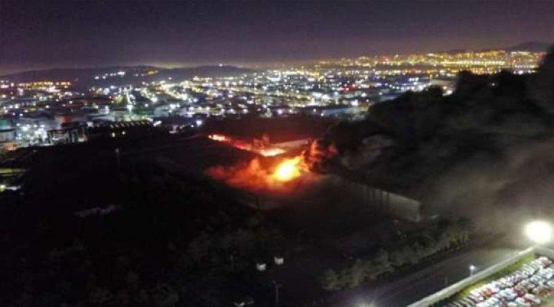 Tuzla'da fabrika yangını: Bir işçi yaralandı