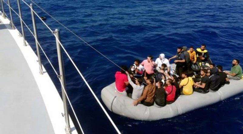 Marmaris ve Datça'da 132 göçmen kurtarıldı