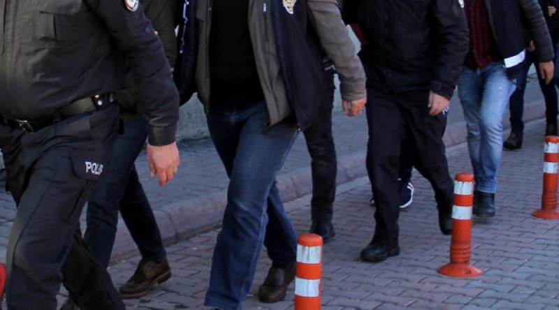 İstanbul'da FETÖ operasyonu: 13 kişi tutuklandı
