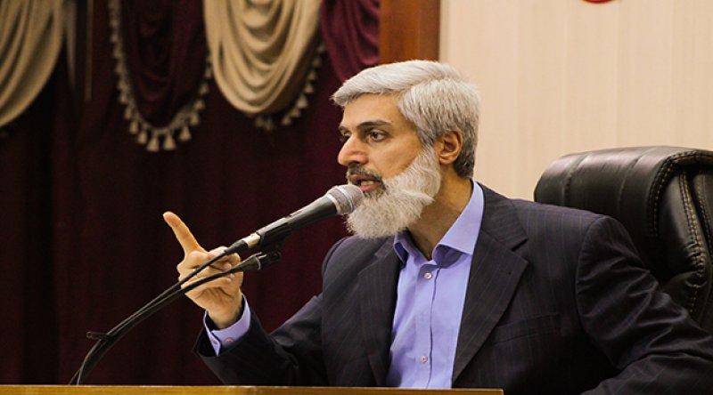 """Alparslan Hoca: """"Ben Kur'an Sayesinde Özgürce Konuşuyorum, Laik Sistem Sayesinde Değil!"""