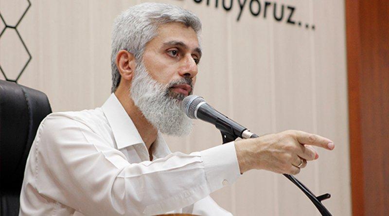"""Alparslan Hoca: """"Bu Kadar Hırsızı Bol Olan Ülkede Tabi Ki Ekonomi Perişan Olur!"""""""