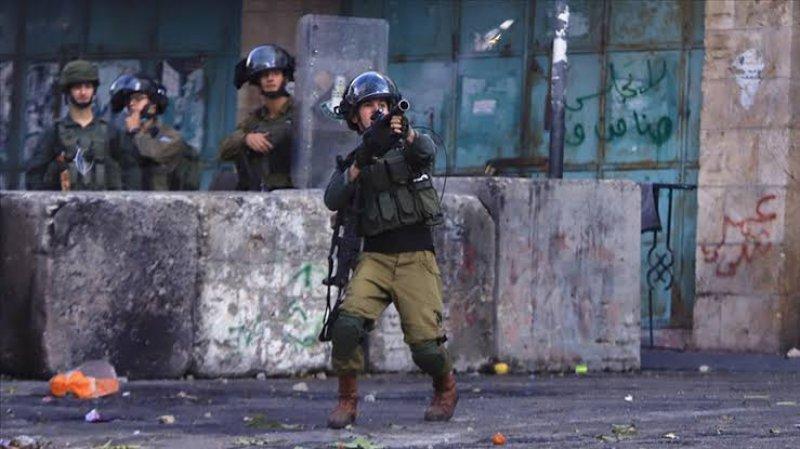 İşgal güçlerinden Nablus'ta Filistinlilere gerçek ve plastik mermili müdahale