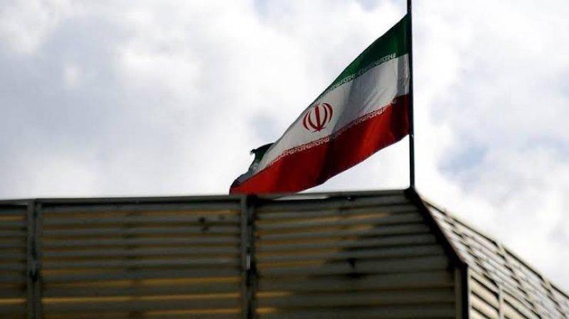 İran Taliban'ı tanıyan ilk ülke oldu