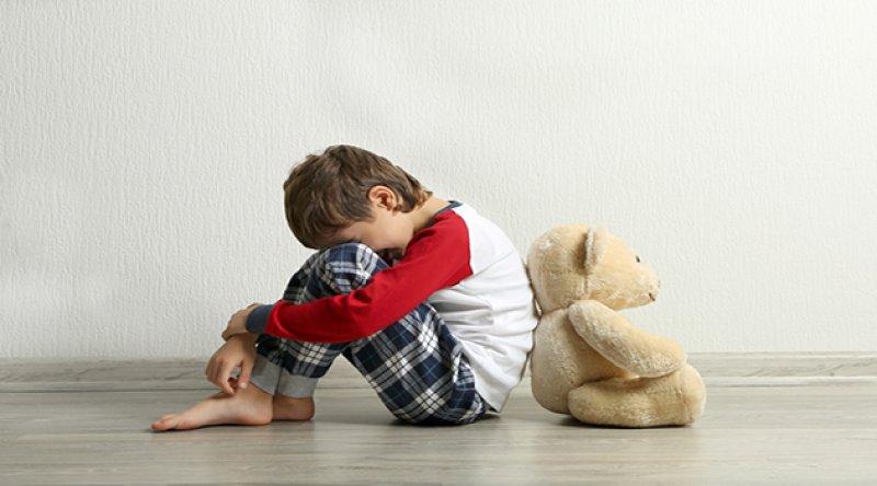 İngiltere'de 'en tehlikeli çocuk tacizi suçlularına' yönelik operasyonlarda 320  kişi tutuklandı - Furkan Haber