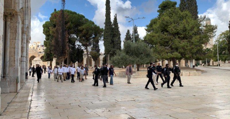 Fanatik Yahudiler Mescid-i Aksa'ya baskın yapmaya devam ediyor