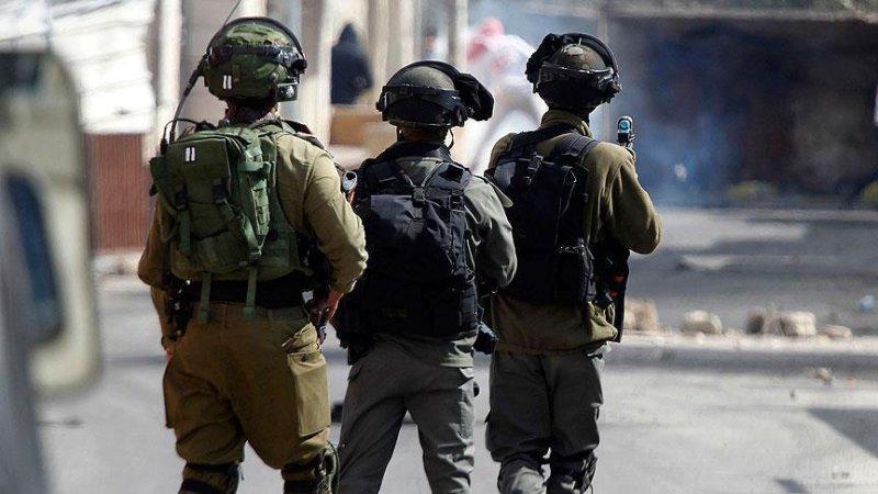 İşgalci İsrail askerleri, Batı Şeria'da Hamas'ın milletvekili adayını gözaltına aldı