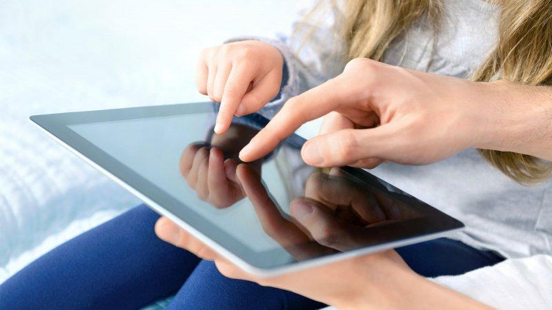 """MEB, """"hediye tablet"""" mesajları hakkında velileri uyardı"""