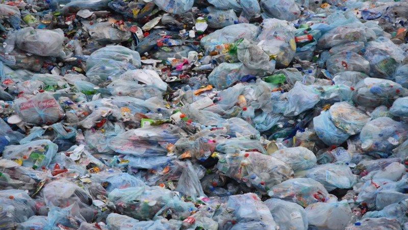 Çevre ve Şehircilik Bakanlığı'ndan 'plastik atık ithalatı' genelgesi: Tesislerin teknik şartlarına yeni düzenlemeler getirildi