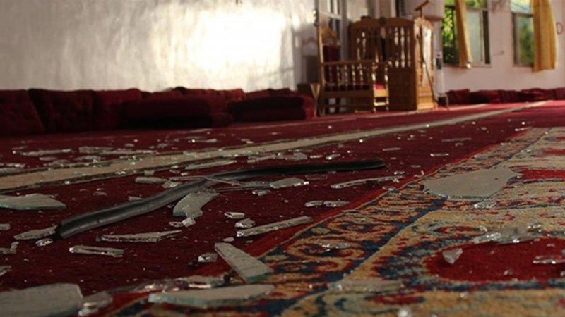 Esed'in askerleri camiyi bombaladı