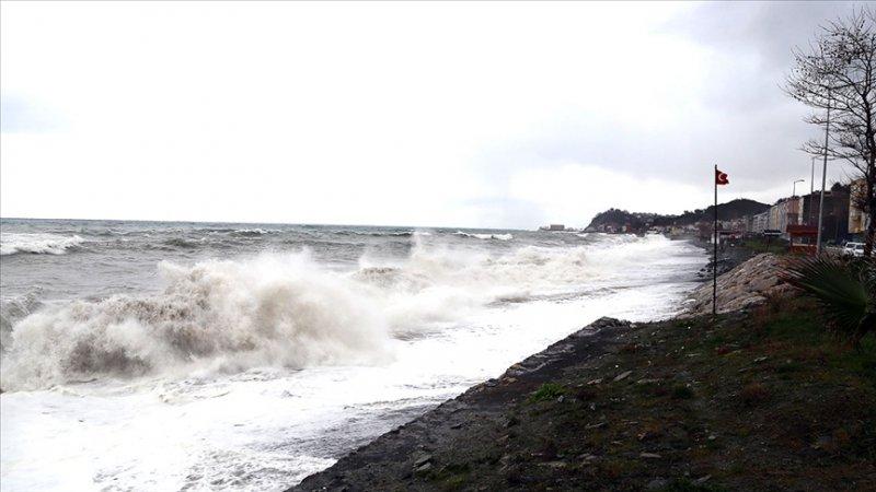 Meteorolojiden ülkenin kuzey ve batı bölgeleri için kuvvetli rüzgar uyarısı