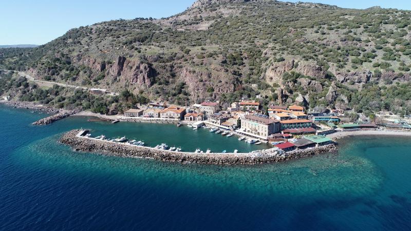 Afet bölgesi ilan edilen Assos Antik Limanı'nda turistik tesisler kapatıldı