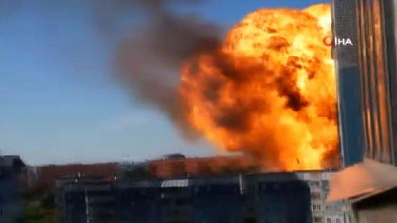 Akaryakıt istasyonundaki şiddetli patlama böyle görüntülendi
