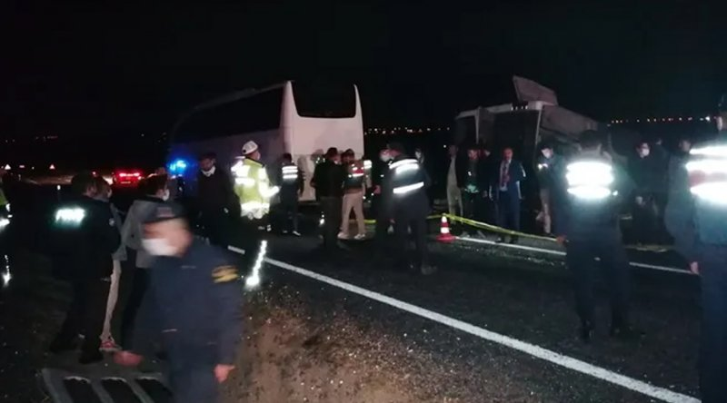 Nevşehir'de iki otobüs çarpıştı: 27 yaralı