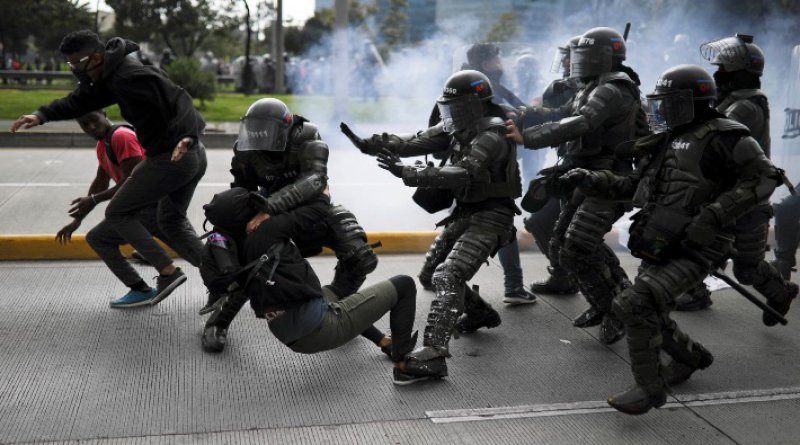 Kolombiya'da hükümet karşıtı eylemlerde hayatını kaybedenlerin sayısı 42'ye yükseldi