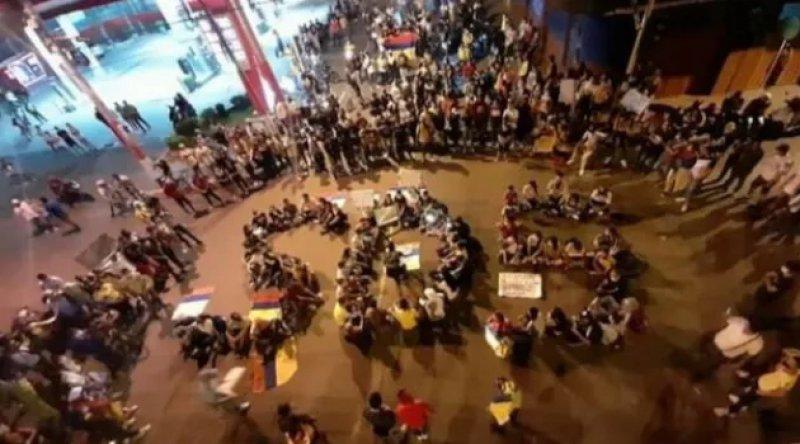 Kolombiya'da ordu ve polis ağır vergileri protesto eden halka karşı katliama girişti