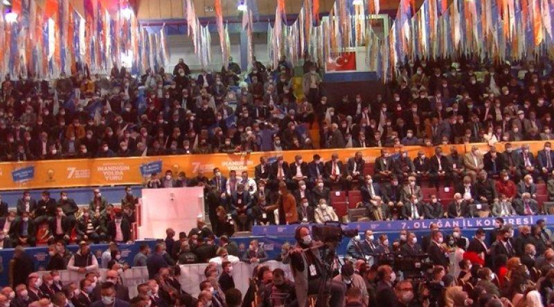 Pandemiden dolayı esnaf kepenk kapatırken AKP'den lebaleb dolu kongreler!