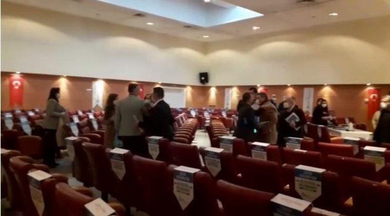 AKP'li meclis üyeleri kavga etti