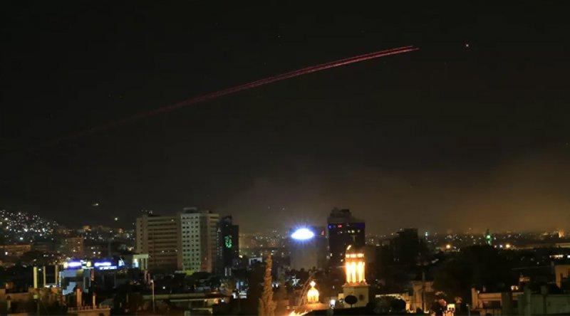 Suriye medyası: Hava savunma sistemleri, Şam üzerinde İsrail saldırılarına karşılık verdi